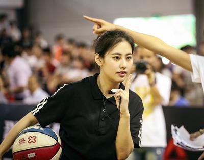 颜值惊人!她是中国篮坛最美女裁判