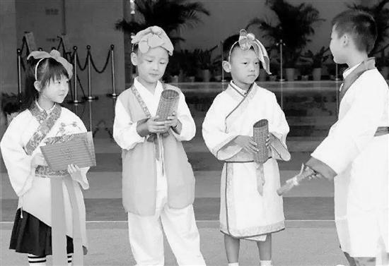 杭州有所任性的学校  开学整一月没翻开过课本