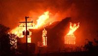 美国加州森林大火最新实拍!小镇如地狱一切成废墟
