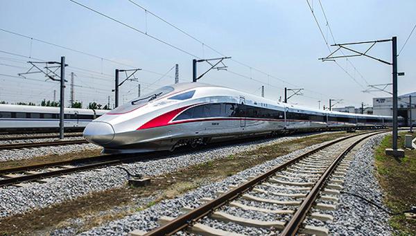 铁总:时速350公里复兴号运营满月 平均客座率95%