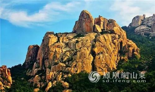 崂山风景名胜区位于山东省青岛市,是国务院首批审定公布的国家重点