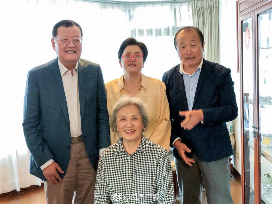 刘长乐探望凤凰卫视前主播刘海若