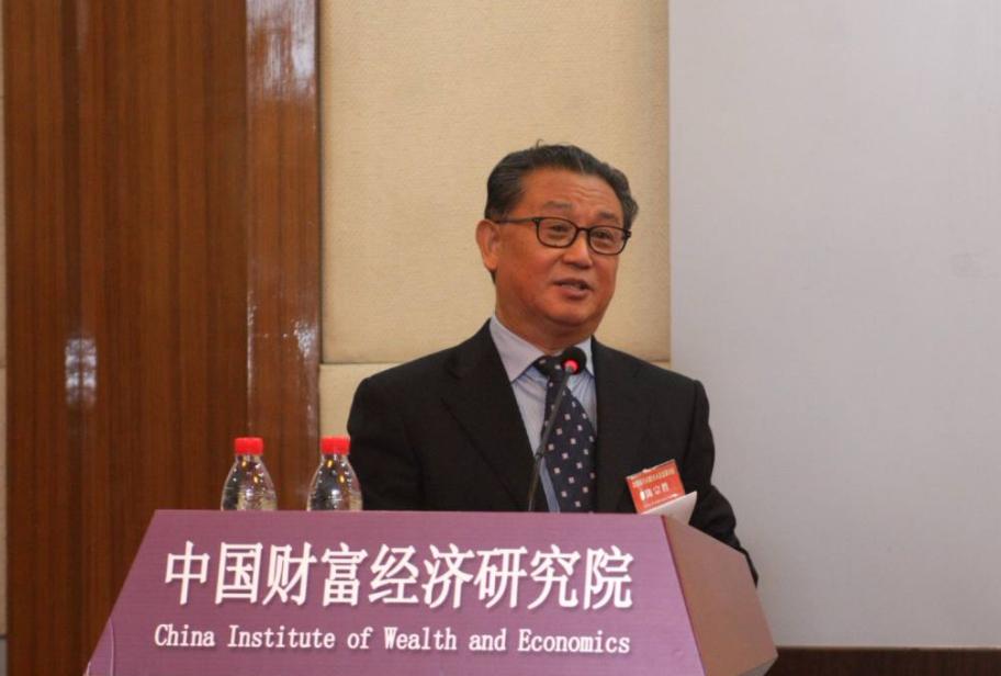 """陈宗胜:中国收入分配格局可以用""""葫芦形""""来表示"""