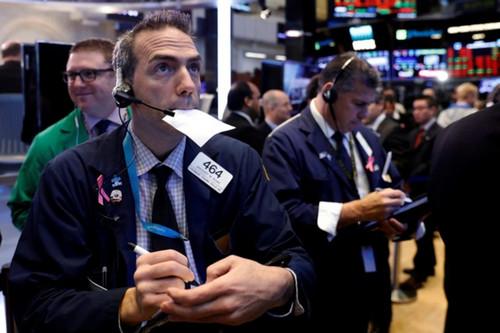 美国三大股指全线下跌 技术分析师建议逢低买入