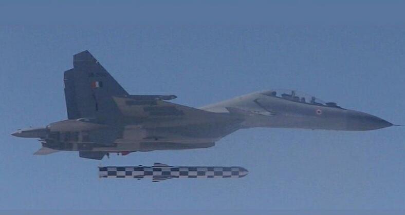 印度又被俄罗斯骗了 最新导弹落后中国十多年