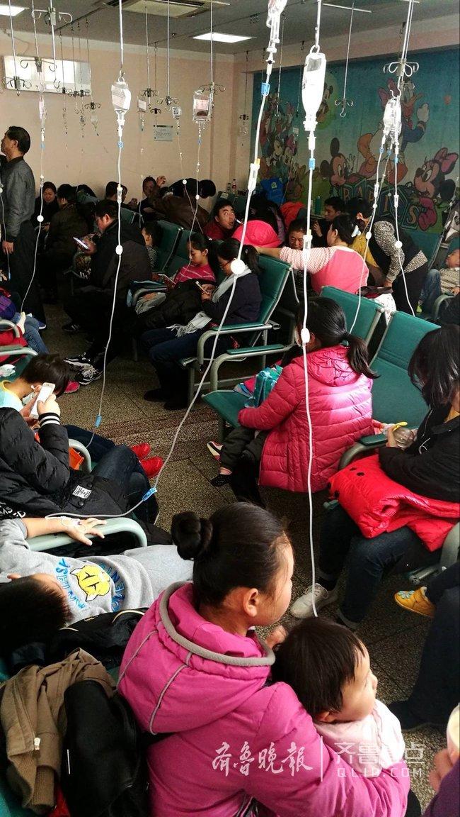 青岛医生挤爆:病毒性v医生70%小时24隐性无休埃博拉儿科感染图片
