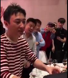 王思聪参加婚礼视频被_随礼30万惊呆网友