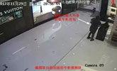 女子开奔驰酷似林青霞 盗走奢侈品店价值两万包包