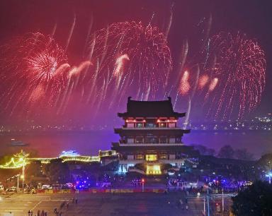 湖南各地笑脸迎新春 欢乐过大年(组图)
