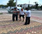 中原银行南京路支行热心帮助迷路老人