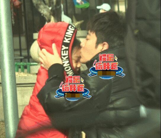 贾乃亮亲吻甜馨停不下来 面对父女分别泪流不止