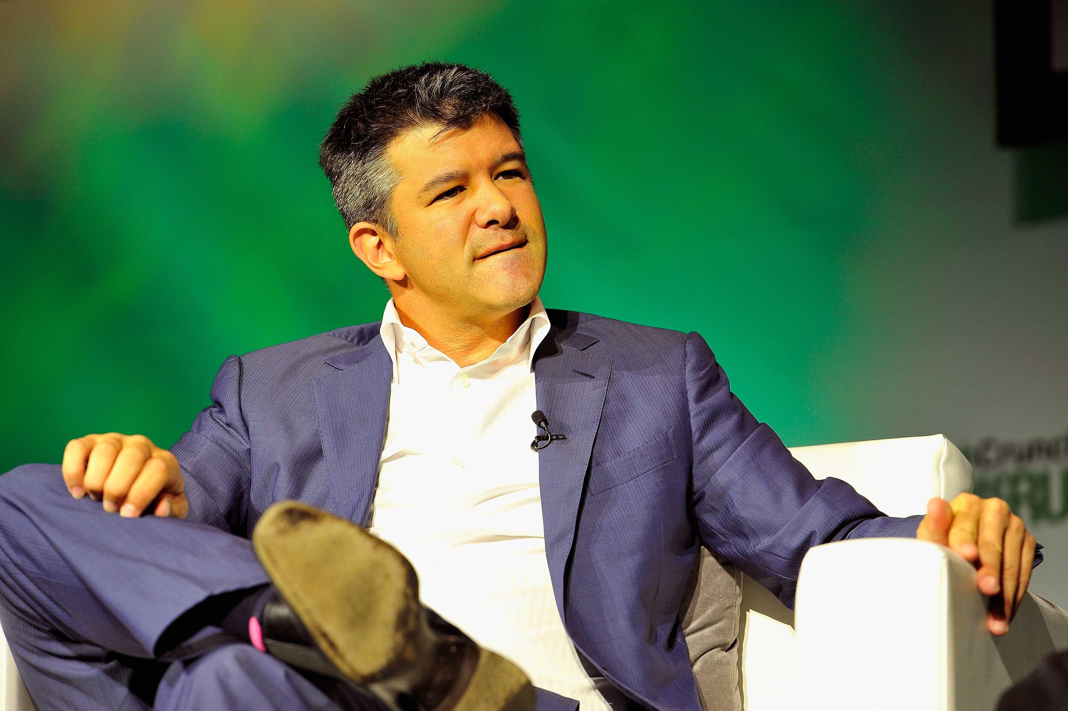Uber前CEO卡兰尼克的堕落:成公司负担 曾跪地忏悔