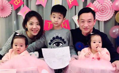 杨威双胞胎女儿1岁生日
