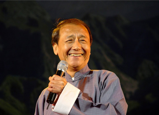丁广泉查出肺癌仍坚持惠民演出:舞台比天大