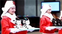 韩国冬奥会礼仪小姐服饰丑哭 确定不是圣诞奶奶?