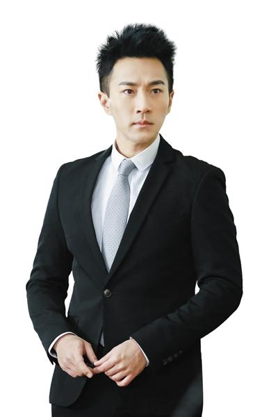 中年男神偶像钟汉良靳东:请珍惜你们的羽毛!