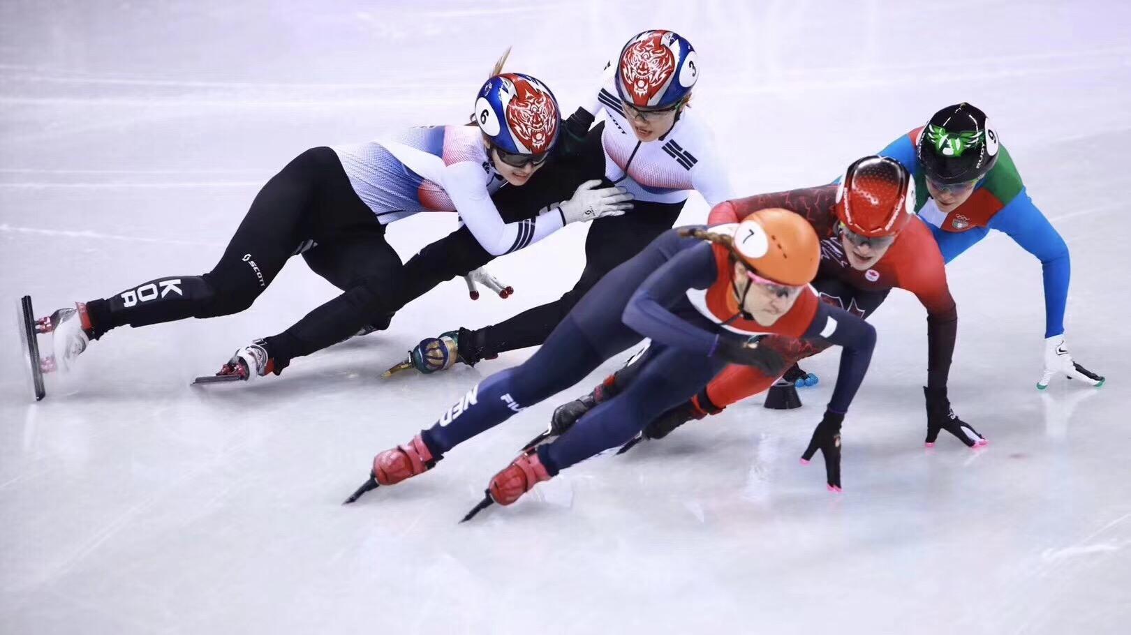 短道速滑韩国选手互相犯规 网友:姐妹一生一起走