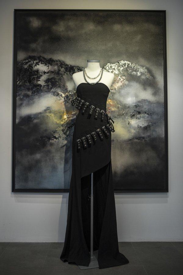 中国设计惊艳巴黎,PLAY LOUNGE HARMONY时装艺术展