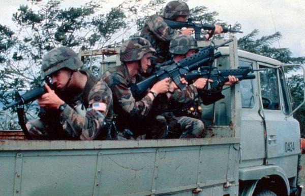 外媒:美军携武器进驻巴拿马 或准备入侵委内瑞拉