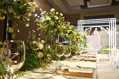 时尚动感的咖啡厅为您打造轻松浪漫的西式自助婚礼.图片