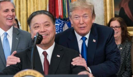特朗普下令否决博通收购高通交易:保护国家安全