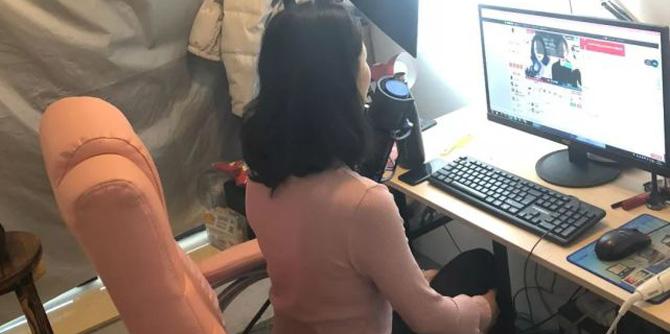 22岁宁波女主播月入数万 无意中说出一个秘密