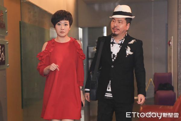 黄国伦被曝进女歌手香闺 妻子寇乃馨:害死我们了