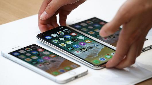 苹果自主设计下一代MicroLED屏幕 供应商股价齐下跌