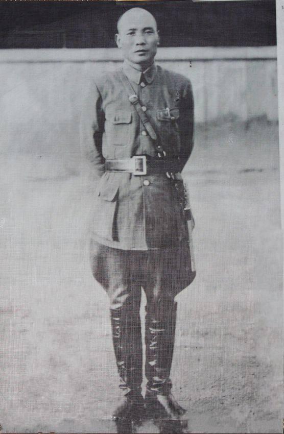 蒋介石曾教训哪位国军名将:不要老逃跑 名誉要紧
