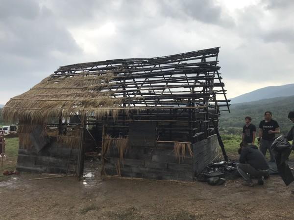 台湾某剧组拍戏失火烧毁屋!10人灼伤紧急送医