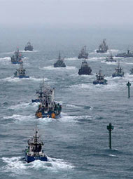 这不是军演,是韩国渔民在抗议