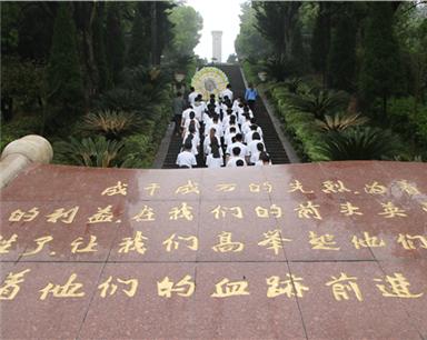 """宁波一高校打造""""行走的""""思政理论课课堂"""