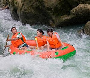 彭水阿依河国际漂流大赛开漂启动仪式21日举行