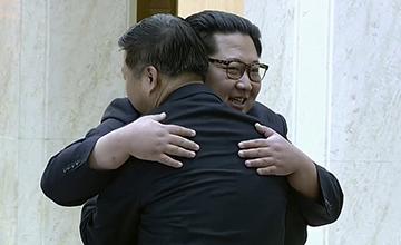 金正恩会见中国艺术团团长