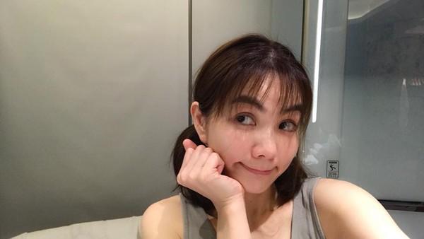 37岁Ella时隔8年再剪空气刘海:我也可以很少女