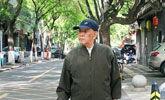 92岁老人每天上街捡烟头 已坚持1年多曾被指作秀