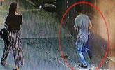 吓人!女子上厕所被喷射不明液体 隔间跑出一个男人