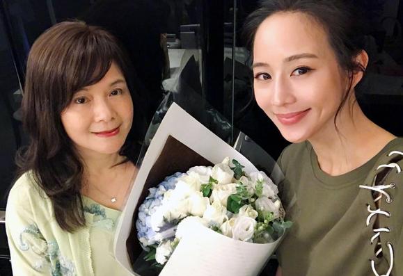 张钧甯法学硕士转行演员 毕业论文十万字谈演艺圈