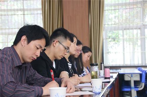 合肥经开区实验小学开展英语学科论文撰写专题讲座