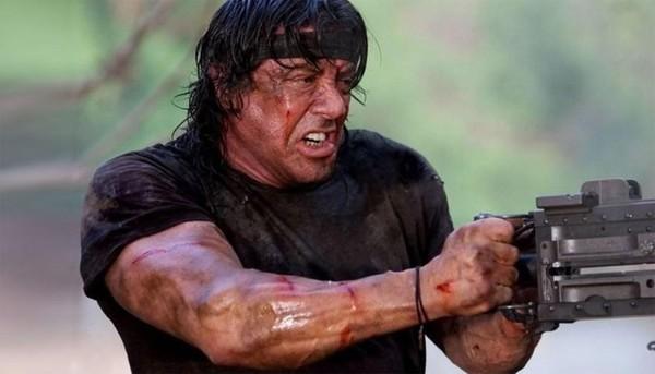 《第一滴血》5明年上映 史泰龙要当地表最暴力公公