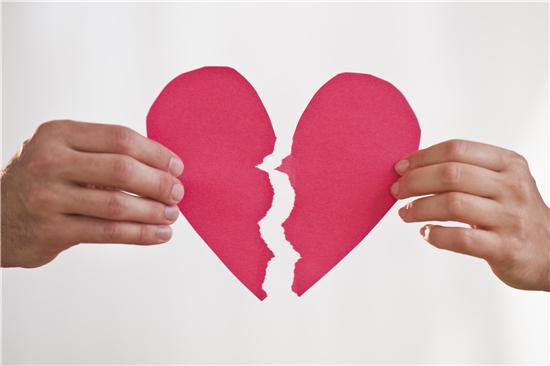 140万夫妻离婚原因首次曝光 近8成是因这件事