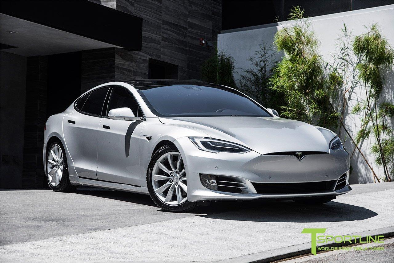 "Model S行駛途中意外起火 特斯拉回應""極其罕見"""
