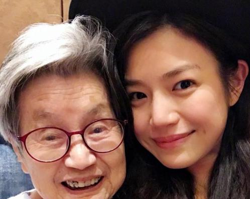 血缘断不了!陈妍希首次见姑婆感叹其与外公超像