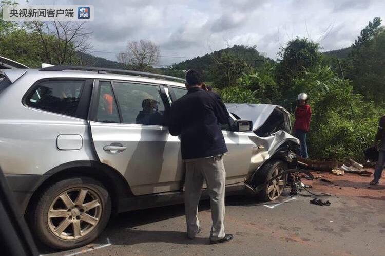 西哈努克之子、柬埔国际品牌代理加盟店有哪些寨前首相拉那烈亲王遇车祸重伤