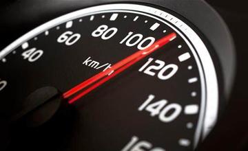 车速超过100km/h后,这些功能竟会失效?