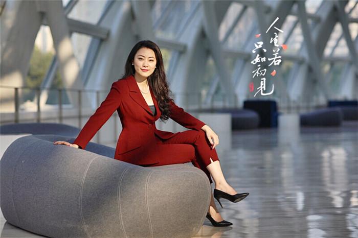 凤凰卫视主持人傅晓田简介