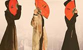 王俊凯千玺黑衣演绎中国风 王源手持红扇化身翩翩公子