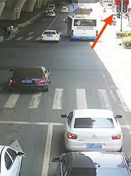 交通违法照片被质疑P上红灯