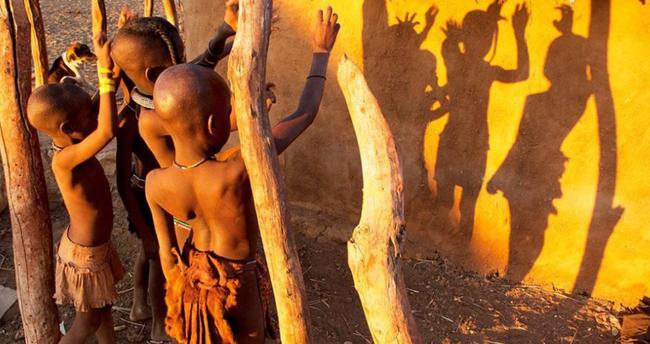 非洲一原始部落,男子可以娶5个妻子,女人有个让人受不了的习俗