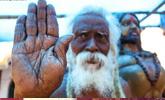 印度一男子自封神仙 有神像有庙宇还有众多信徒